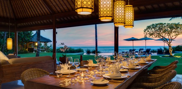 Villa Jagaditha, Dining at sunset