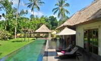 2 Bedrooms Villa Bamboo in Ubud